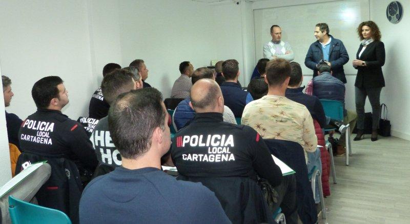 CSIF forma a 30 policías locales en 'cuestiones administrativas y actuaciones con conductores y vehículos extranjeros'