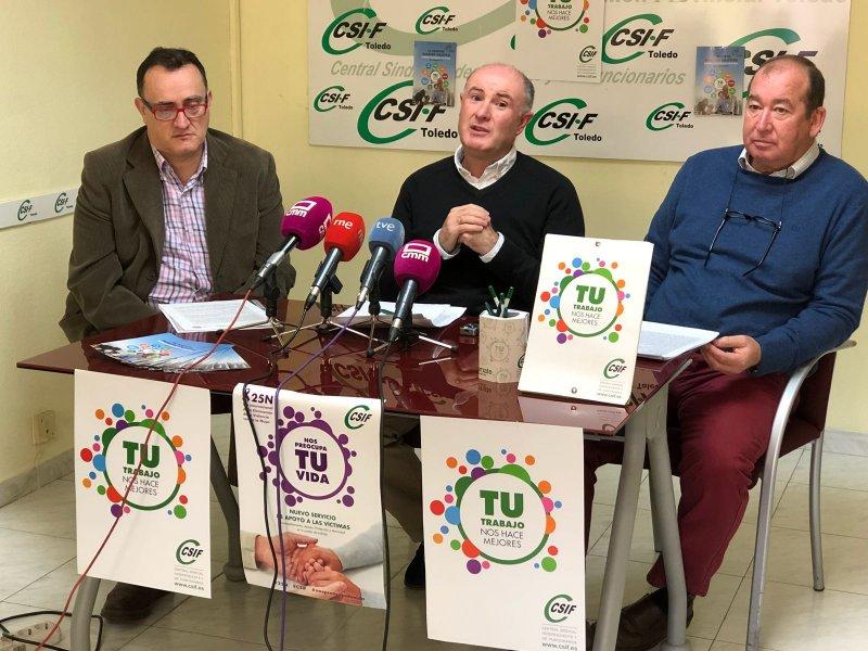El presidente autonómico de educación del CSIF, José Antonio Ranz (centro), y los responsables provinciales del área en Cuenca y Toledo, Antonio Abarca y Enrique Cardenal (derecha)