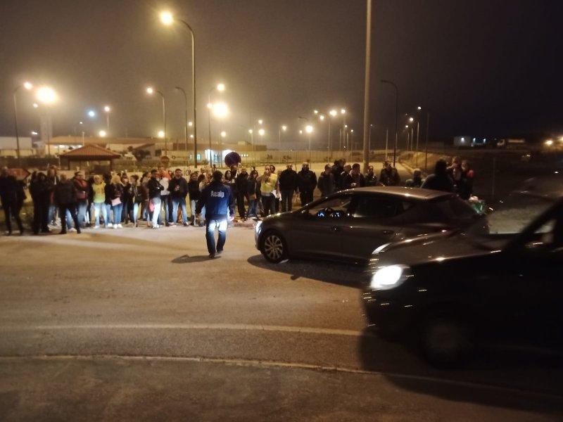 Entrada de la cárcel de Villena a las siete de la mañana