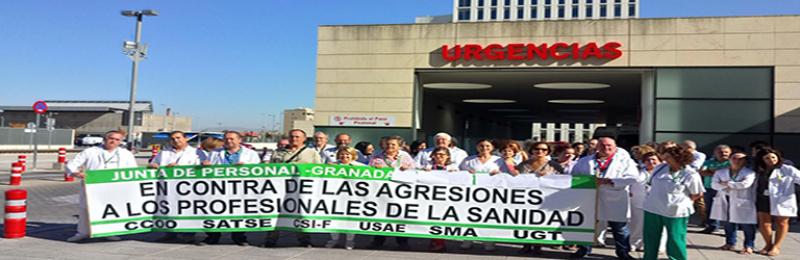 Concentración contra las agresiones al personal sanitario en Granada