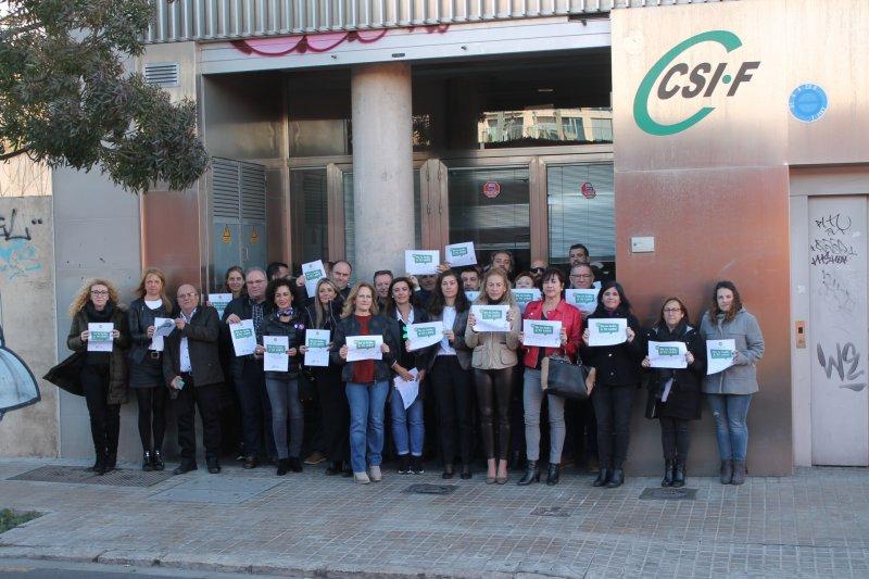 Concentración ante la sede autonómica de Comunidad Valenciana