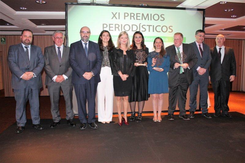 Ganadores y organizadores de premios periodísticos