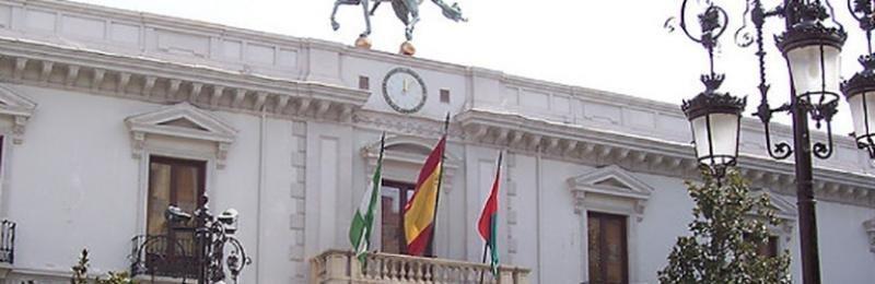 Más de veinte sentencias favorables para el personal que realiza trabajos de categoría superior en el Ayuntamiento de Granada