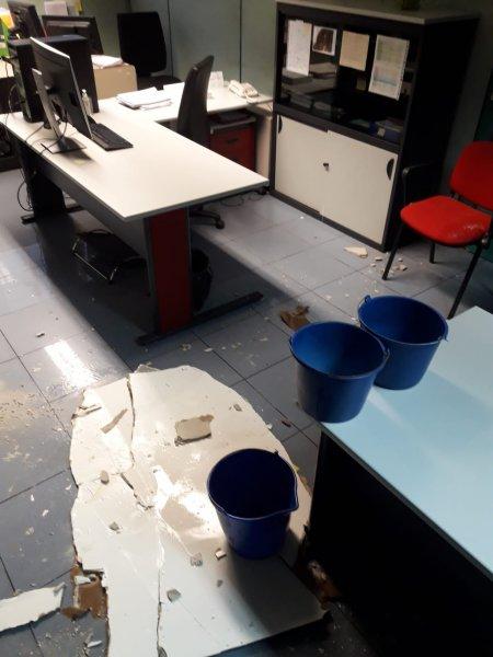 Caída del falso techo en el Servicio de Infraestructuras de Conselleria de Educación