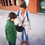 Mesa informativa y reparto de pulseras en plaza España