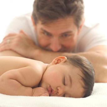 Desde el 1 de enero del permiso de paternidad tendrá una duración de cuatro semanas