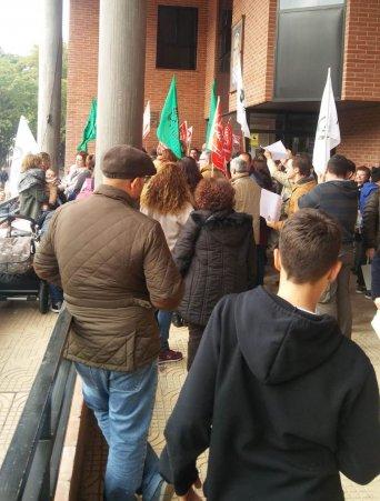 Concentración en el Ayuntamiento de Molina de Segura para reivindicar una OPE que incluya a todos los colectivos y por un proceso negociado