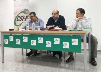 Miguel Borra (centro), con Ángel Carvajal y Julio Retamosa (derecha)