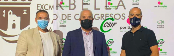 Joaquín Almagro, responsable de CSIF Admon. Local Málaga; Miguel Ángel Sáez, presidente de CSIF Admon. Local Andalucía; y Juan Carlos González, secretario provincial de la CEP, durante el evento.