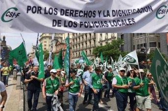 En la imagen de archivo, el más de medio centenar de afiliados a CSIF en la Región de Murcia participando en la gran manifestación que se llevó a cabo en Madrid, el pasado 23 de mayo, para reclamar el adelanto de su jubilación hasta los 59 años.
