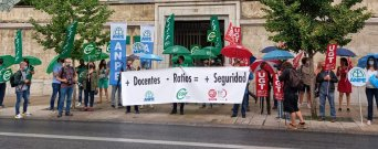CSIF Granada protesta ante la Delegación de Educación en demanda de un curso escolar seguro
