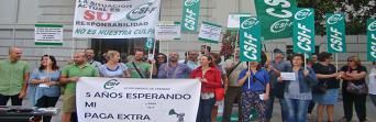 Protesta para exigir el pago del 50 por ciento de la paga extra 2012 a los trabajadores municipales