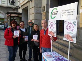 Stand informativo 25N en Puerta Real - CSIF Granada