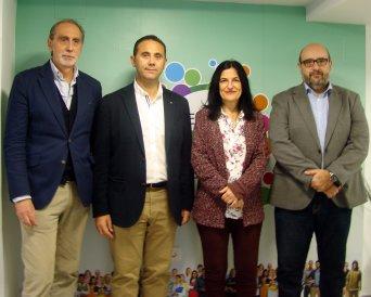 El presidente nacional de CSIF valora la subida salarial de los empleados públicos en su visita a la nueva sede de Granada