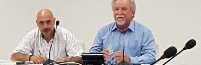 El presidente del Sector AGCA de CSIF, Roberto Rincón (izquierda), y el Director General de la Función Pública, José Narváez, en la firma del Convenio